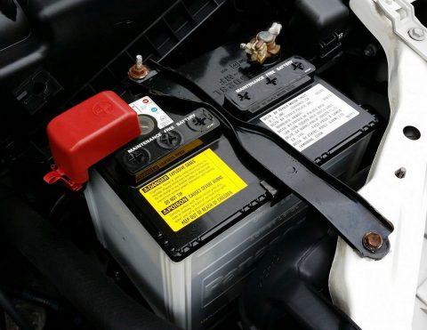 Vérification de la batterie de voiture