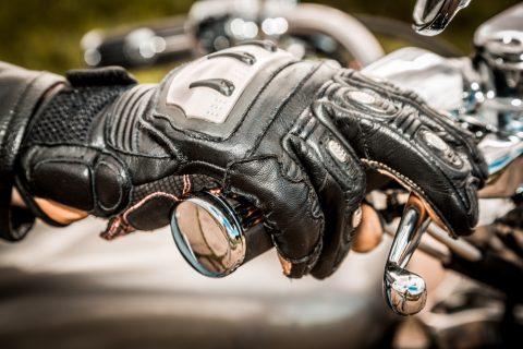 normes gants moto